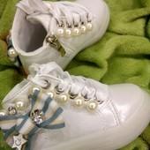 !!! Красивенные деми ботиночки с Led подошвой. для малышки!!! Последний 23 размер!