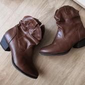 Фирменные кожаные весенние сапоги, стелька 23, 5 см Graceland