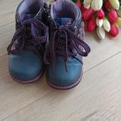 Ботинки демисезонные для девочки 22размер, стелька 13- 13,5см.