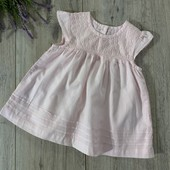 Платье на девочку 9-12 месяцев. В хорошем состоянии.