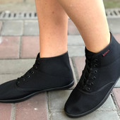 в наличии красивые и удобные кеды-ботинки