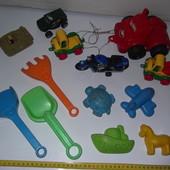 Машинки,мотоцикл,пасочки,лопатки