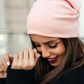 Трикотажные шапочки разные цвета на осень