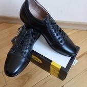 повністю шкіряні кросівки 45 р на 29 см нові