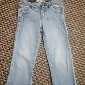 Моднявые джинсики-узкачи