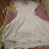 Літнє коттонове плаття з ажурною вишивкою, р42