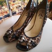 Туфли с открытым пальчиком, р. 39, каблук 6см