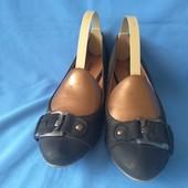 Красиві туфлі для красивої дами