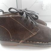 Кожаные деми ботиночки Gap состояние очень хорошее