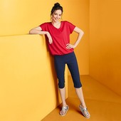 ☘ Практичная футболка c V-образным вырезом от Tchibo(Германия), размер наш: 54-56 (48-50 евро)