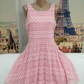 Розовое кружевное платье с пышной юбочкой, River Island, размер L - XL.