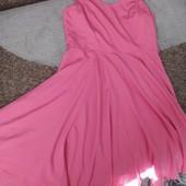 Шикарное брендовое платье.как новое