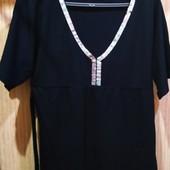 Трикотажная удлиненная футболка/туника от Okay , декорирована паетками, состоянии новой вещи