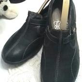 Кожаные туфли с декором строчка... 40 р - 26 см.