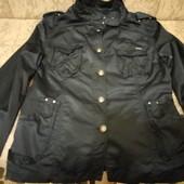 Крассная весенняя курточка ветровка