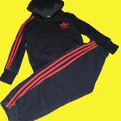 Спортивный костюм на 3-4 года.Adidas