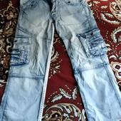 Стильные джинсы на парня