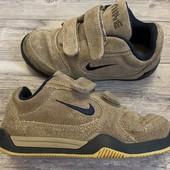 Замшевые кроссовки Nike оригинал 30 размер стелька 19 см ( на бирке18,5 см)