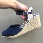 Туфли с открытыми пяточками на платформе