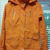 куртка на девочку на тонком утеплителе 140-146рост