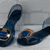 Продам новую летнюю обувь на ножку 24,5 см