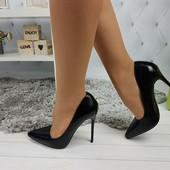 Жіночі лаковані туфлі, привезені з США