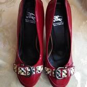 Женские фирменные туфли Burberry, размер 36 - 23,5 см.