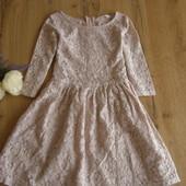 Шикарное кружевное платье цвета пудры от H&M для девочки 10-11 лет