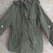 Деми курточка парка для девочки на 5-6лет.