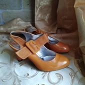 Лот 2 пары -черные и коричневые! Женские туфли Chanel, производитель Франция. р.39 - 24,5 и 24,3 см.