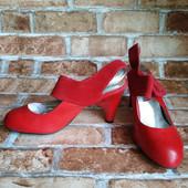 Лот 2 пары -красные и белые! Женские туфли Chanel, производитель Франция. р.36.