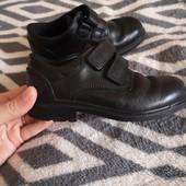 Кожаные туфли Clarks р.8/ 25 1/2 стелька 17см.
