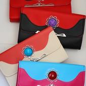 Очень красивая и яркая женская сумка кросс-боди