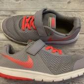 Кроссовки Nike оригинал в отличном состоянии 35 размер стелька 22,5 см