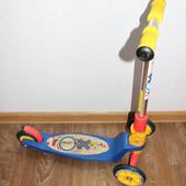 Cамокат Explore Tredia Sport рекомендуется для детей от 3 лет, трехколесный.