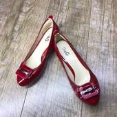 Кожа. Женские туфли на низком каблучке D&G Италия. Размер на выбор.