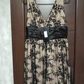 Фирменное новое красивое платье вышитая сетка на чехле р.12-14