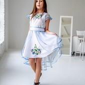 Шикарное платье с вышивкой на спинке-бесценный подарок к любому празднику
