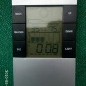 Электронные часы - термометр (по типу метеостанции)