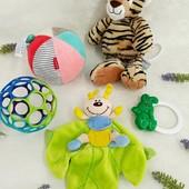 Игрушки для малышей одним