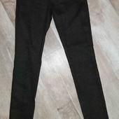 классные джинсы с змеиным принтом(новые)смотрите фото и описание