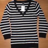 cупер свитер H&M.р-р xs идет на c. на грудь 85-92см. Отличный подарок !