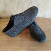 Полностью кожаные туфли броги дорогого итальянско бренда Ferri, 42 разм, нюанс!