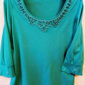 Красивая. элегантная ,брендовая футболка на ПОГ - 52-54 см Per Una