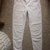 Узкие, легкие джинсы Скини р. S,M состояние очень хорошее!