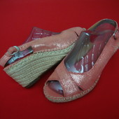 Босоножки Clarks Coral Pink 38 размер