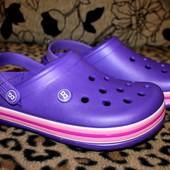 Кроксы унисекс 39 р. Цвет фиолет. в жизни он темнее