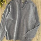 Женский свитер. Размер l. В хорошем состоянии.