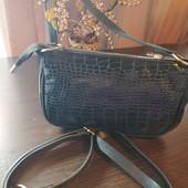 Новая темно синяя очень красивая сумочка