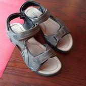 нові босоніжки шкіряна устілка /інші моделі в моїх лотах!
